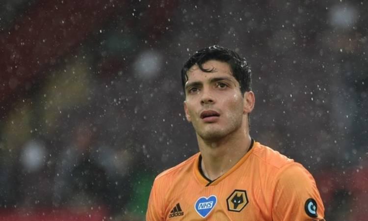 Raúl Jiménez no pudo salvar a los Wolves de la derrota
