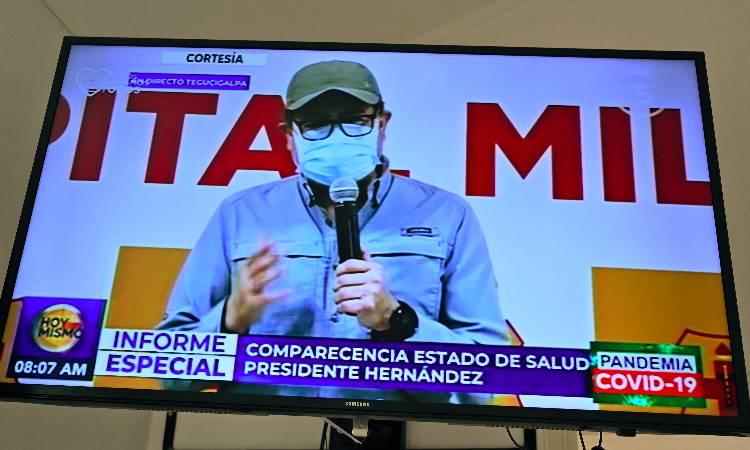 Presidente de Honduras se recupera del COVID-19 y sale del hospital.