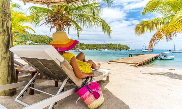 Barbados ofrece visa para hacer home office desde sus playas