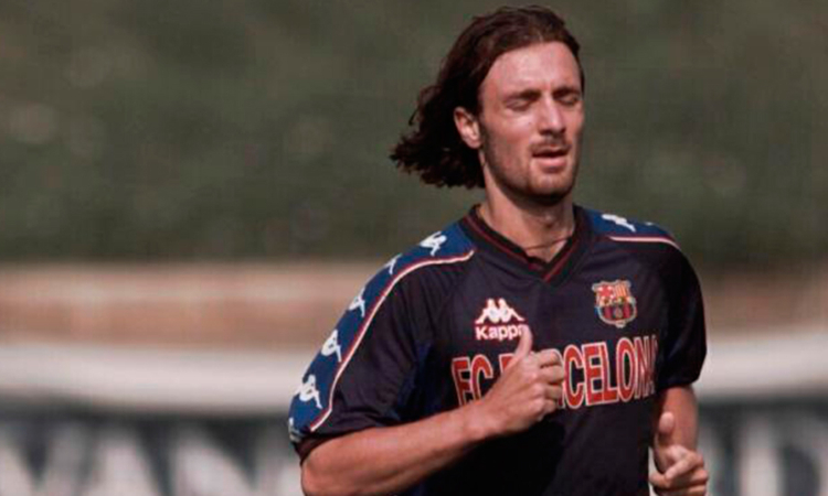 Christophe Dugarry carga contra Messi.