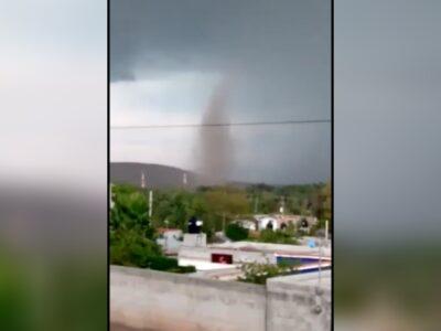 En Querétaro, graban impresionante tornado antes de tormenta