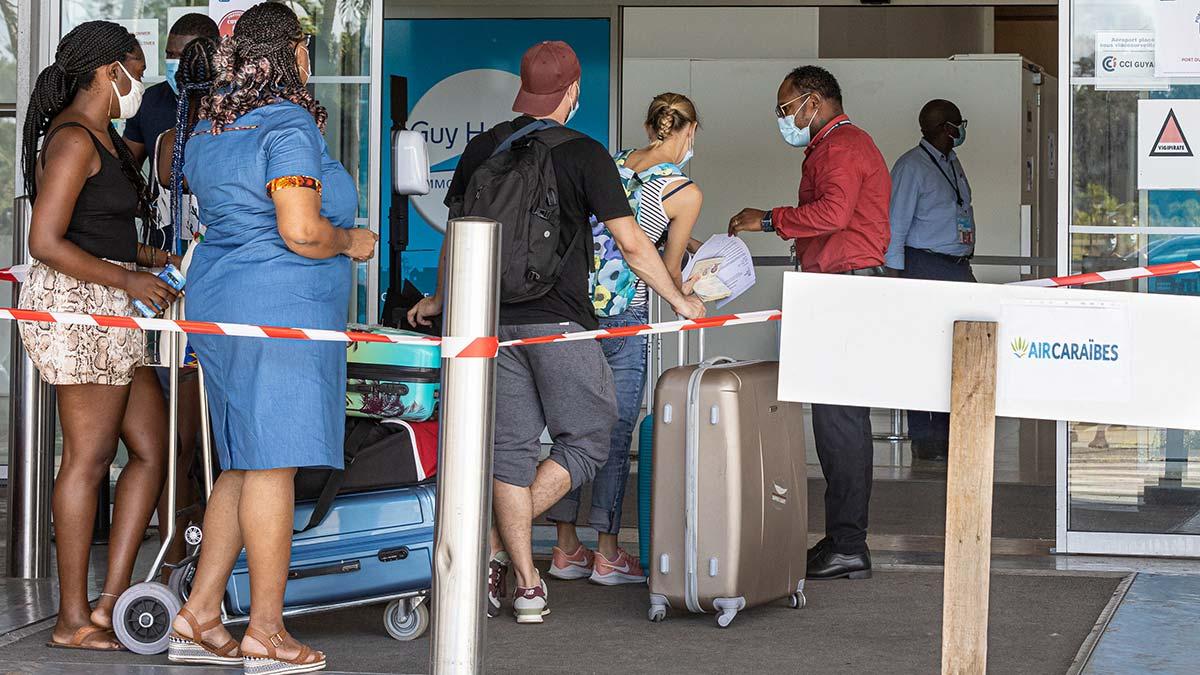 COVID-19: Francia realizará pruebas virológicas a viajeros de zonas de riesgo