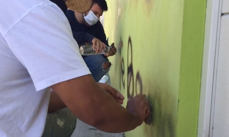 En Durango, identifican a hombre que pintó amenaza en casa de enfermera