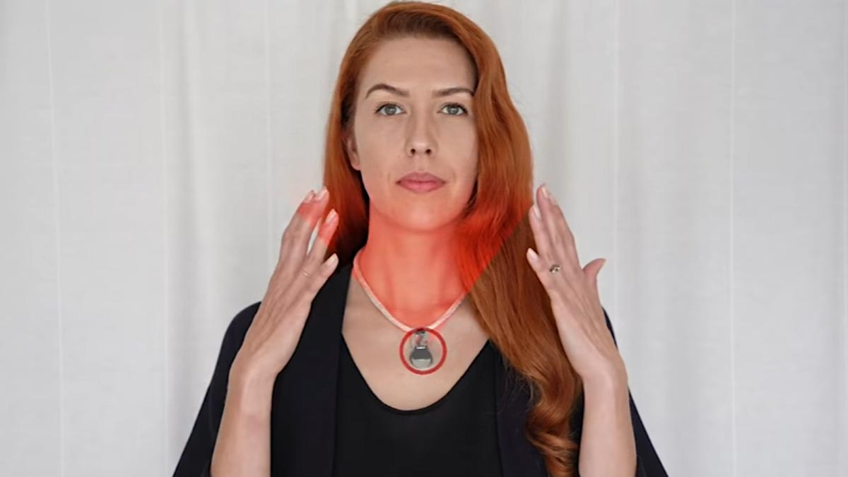 NASA crea collar para COVID-19; evita te toques tu cara