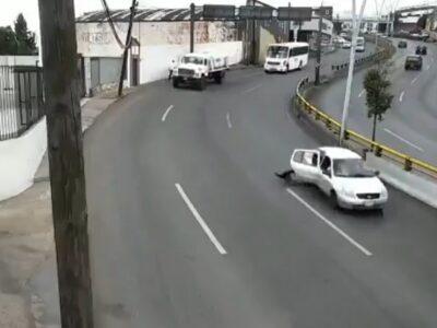 Zacatecas: niño cae de auto en movimiento y sale ileso