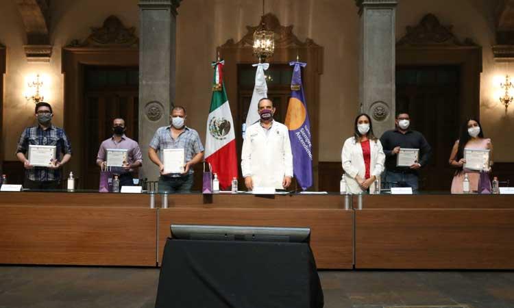Nuevo León reconoce a donadores de plasma contra COVID-19