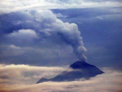 Cae ceniza del Popocatépetl en CDMX; ve recomendaciones