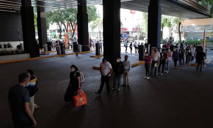 Parque Delta, con largas filas tras reapertura de centros comerciales
