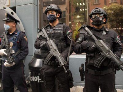 Policías de CDMX evitaron suicidio de mujer