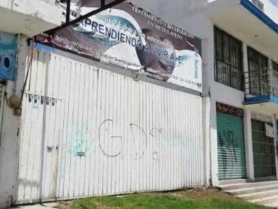 En Puebla, comando ataca anexo y libera a 18 jóvenes