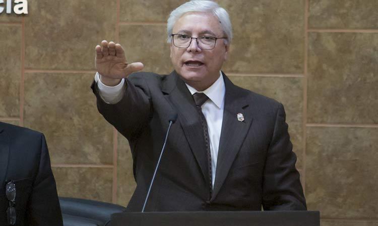 El Gobernador de Baja California, Jaime Bonilla