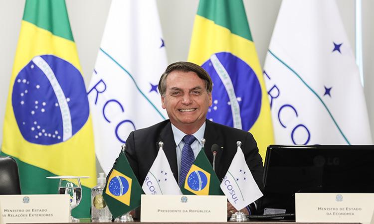 Bolsonaro se hace prueba de COVID-19 y afirma tener los pulmones limpios