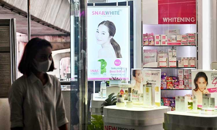 Esta preferencia por la piel blanca no es exclusiva de India, y está bien extendida por todo el continente asiático.