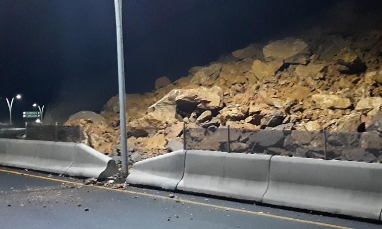 Cerro se desgaja en Zacatecas y provoca cierra de Vialidad Manuel Felguérez