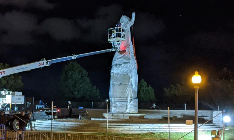 Remueven estatuas de Cristóbal Colón en Chicago