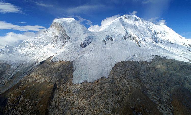 Glaciares de Perú se derriten a la mitad
