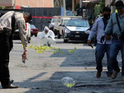 AMLO dijo que el 53% de homicidios en el país se registran en Guanajuato, Puebla y Michoacán.