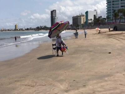 En Sinaloa, abren playas y hoteles en Mazatlán en semáforo rojo