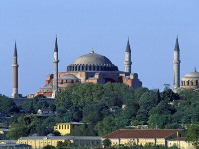 Antigua basílica de Santa Sofía es convertida en mezquita por Turquía