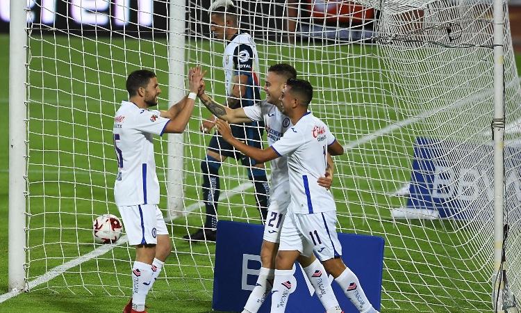 Cruz Azul se mostró dominante y ganó el partido en un lapso de 10 minutos del segundo tiempo.