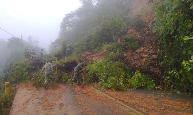 En Veracruz, intensas lluvias dejan inundaciones, deslaves y muertos