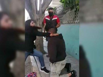 Edomex: Mujer cachetea a ladrón tras robarle su celular en Ecatepec