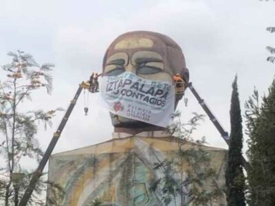 CDMX: colocan cubrebocas a Benito Juárez en la alcaldía Iztapalapa