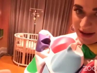 Katy Perry bebé cuarto