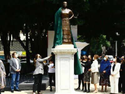 Develan estatua de Leona Vicario en Paseo de la Reforma