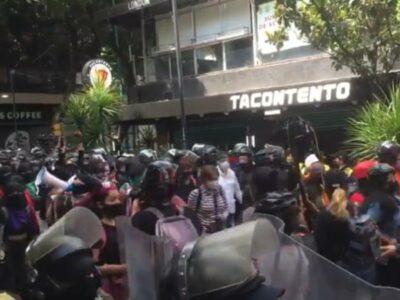Colectivos feministas protestan en el Centro de la CDMX