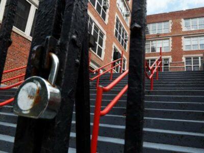 Nueva York prepara plan de regreso a escuelas con estas medidas