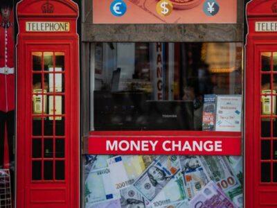 Reino Unido se suma a países en recesión por COVID-19