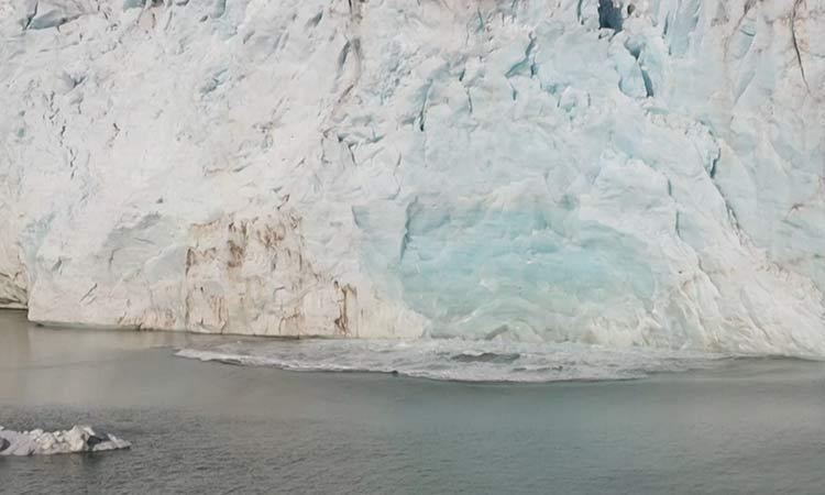 La capa de hielo de Groenlandia se derrite a un ritmo acelerado