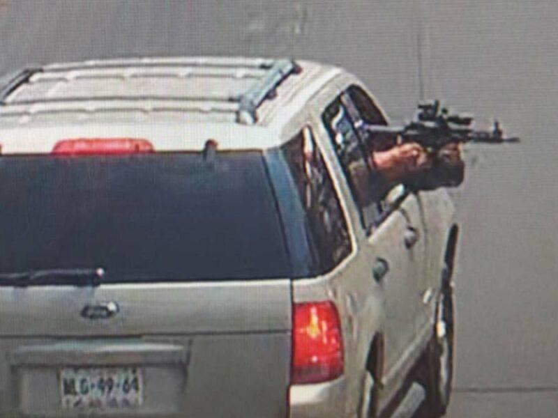Iztapalapa: Disparan desde camioneta en movimiento; hay lesionados