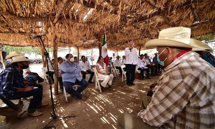 AMLO aseguró que asesinaron a más de 15 mil yaquis para quitarles las tierras.