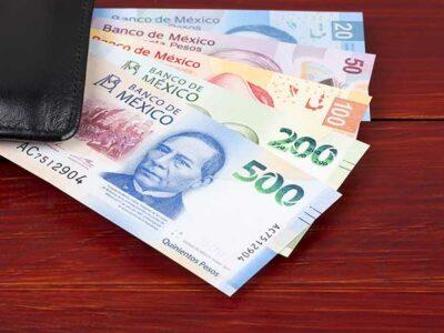 Banxico realiza obras de arte con residuos y mala impresión de billetes
