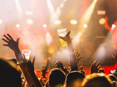 Día Internacional de la Cerveza 2020: Bandas que lanzaron su cerveza