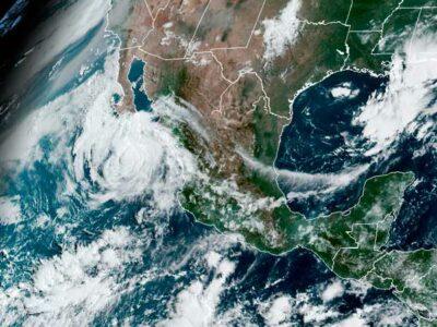 huracán genevieve espacio