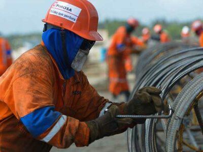 AMLO explicó que el año pasado invirtieron 10 mil millones de pesos para modernizar las refinerías.