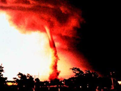 ¿Qué son los tornados de fuego de California?