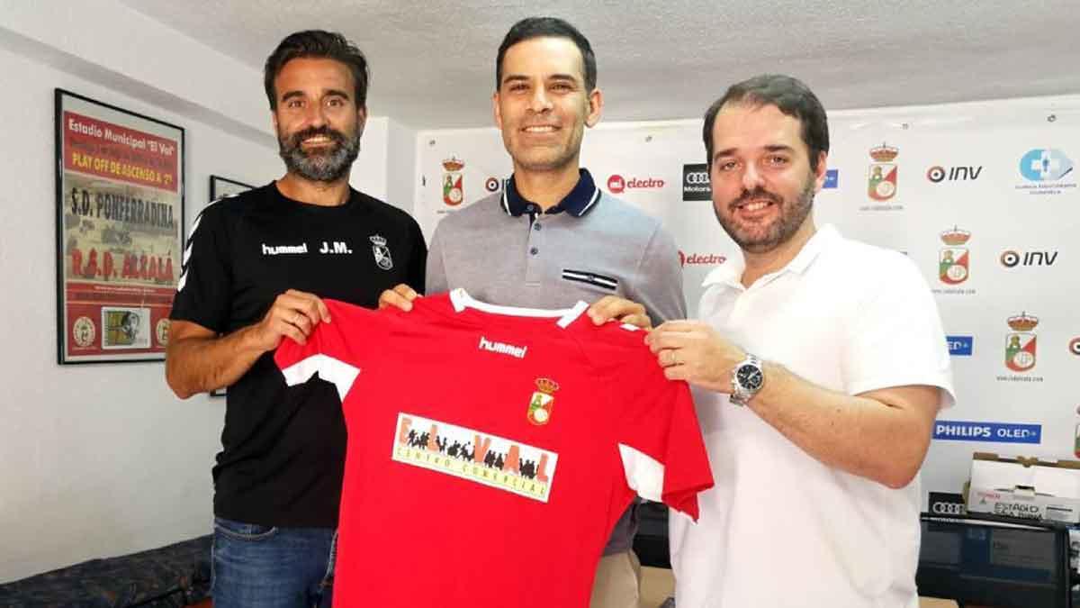 Rafa Márquez debutará como entrenador en las fuerzas básicas de España.
