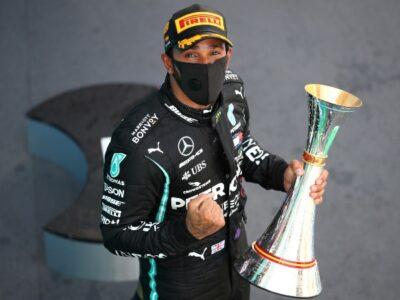 Lewis Hamilton ya tiene más podio que Schumacher.