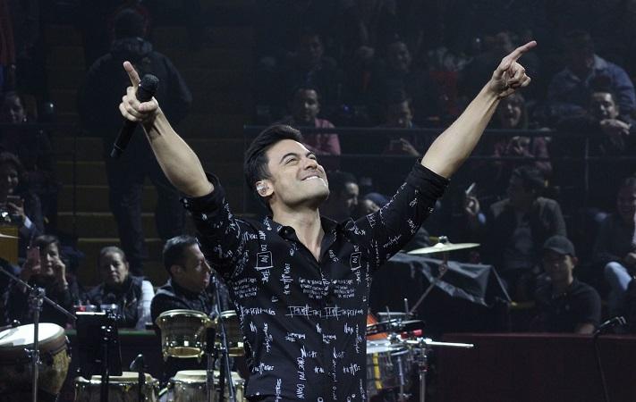 Carlos Rivera agradece a fans apoyo, tras concierto virtual