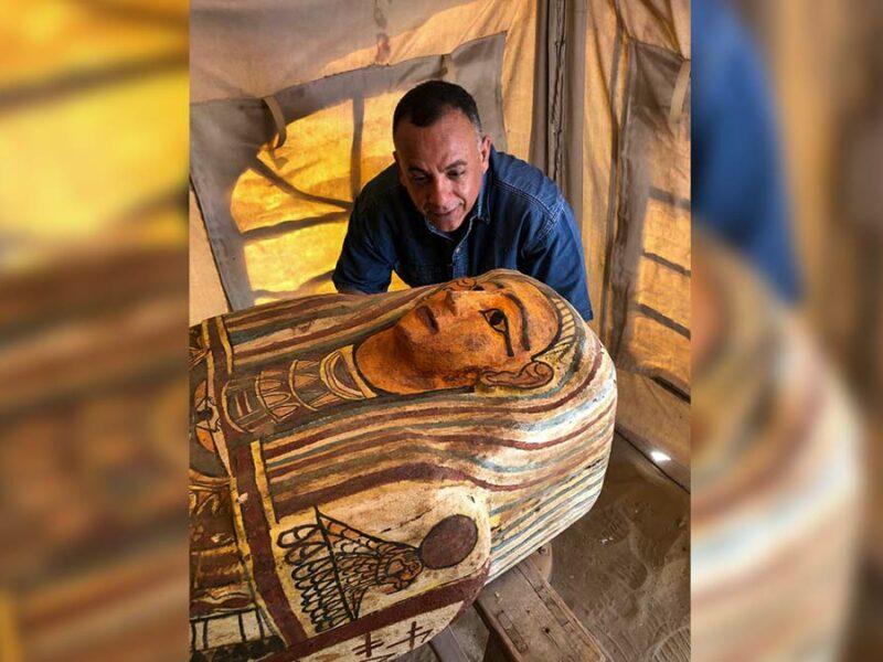 Descubren 14 sarcófagos de hace dos mil 500 años en Egipto