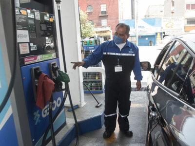 Profeco revela una nueva baja en el precio de la gasolina en México