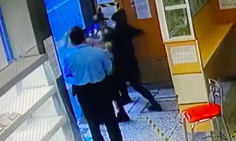 Lady Agresividad en CDMX: Golpeó a una mujer en una panadería