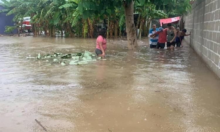 Lluvias dejan 12 municipios de Veracruz afectados