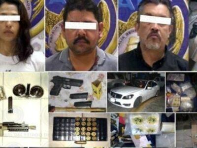 Los atrapan con 100 kilos de droga, armas y autos en León, Guanajuato