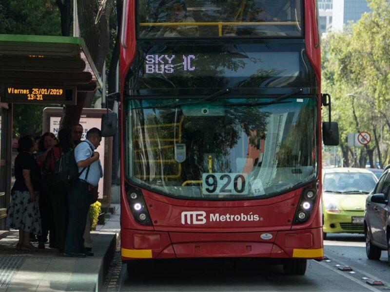 Metrobús modifica su operación por plantón de FRENA