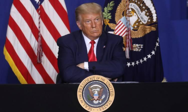 """Trump avión """"lleno de matones"""""""